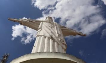 CRISTO REDENTOR COMEÇA A SER RESTAURADO