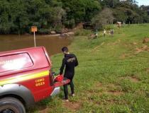 Vítima de afogamento em prainha entre Botelhos e Cabo Verde